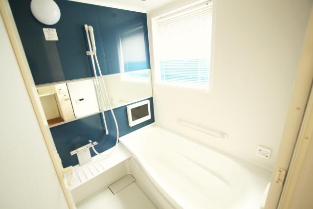 お風呂掃除をした後の綺麗な浴室